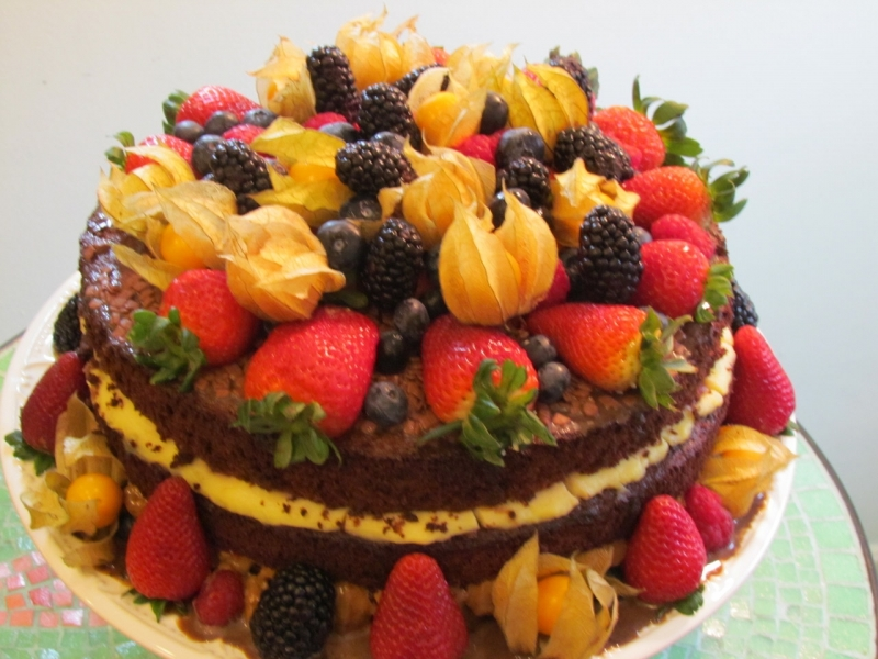 Naked Cake com Frutas Pinheiros - Naked Cake sem Glúten