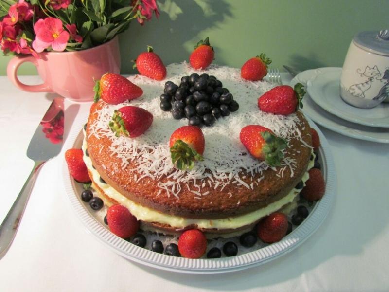 Naked Cakes com Morangos Jardim Guedala - Naked Cake sem Glúten