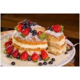 compra de naked cake com morangos Jardim Guedala