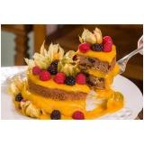 naked cake com morangos Bela Vista