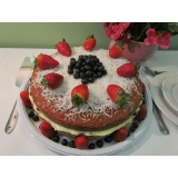 naked cake para festa Moema